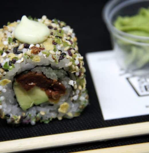 vegan-roll-sushi-in-the-box-uramaki-new-viale-ippocrate
