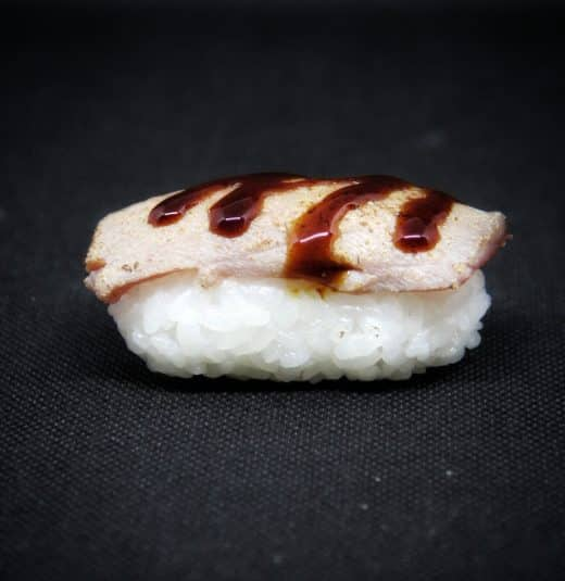 nigiri-tonno-scottato-sushi-in-the-box-uramaki-new-viale-ippocrate